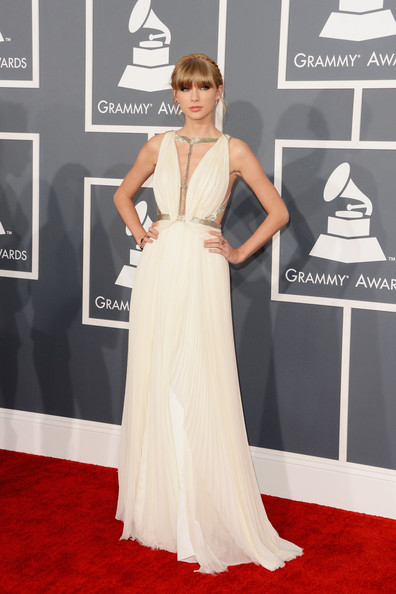 Taylor Swift Braided Updo Hairstyles 2