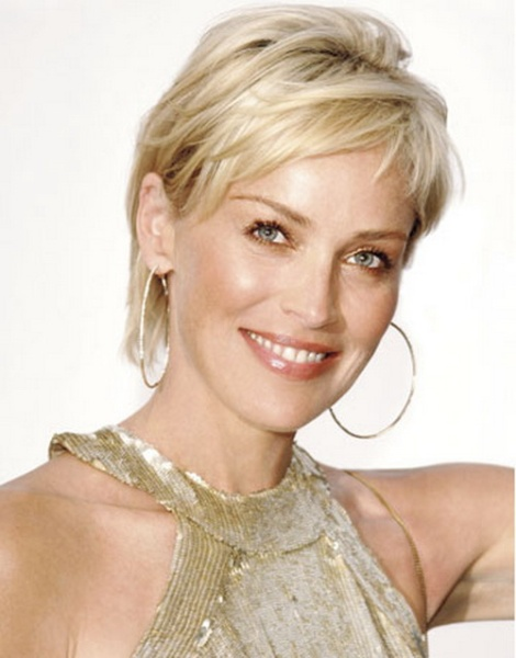 Beautiful Short Hairstyles for Older Women (1)