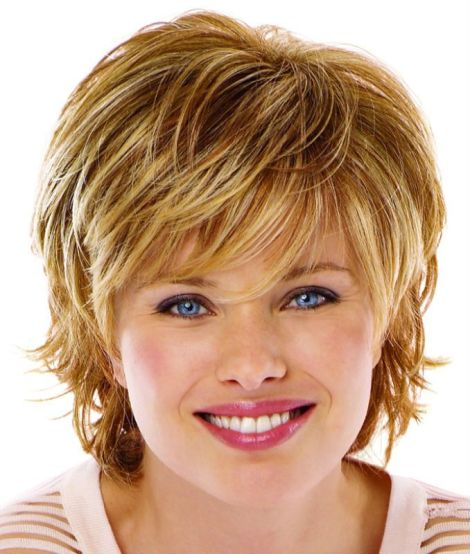 Best Short Hairstyles for Round Faces (1)
